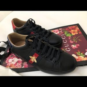 Gucci Black Women's Bee Low Top Sneaker